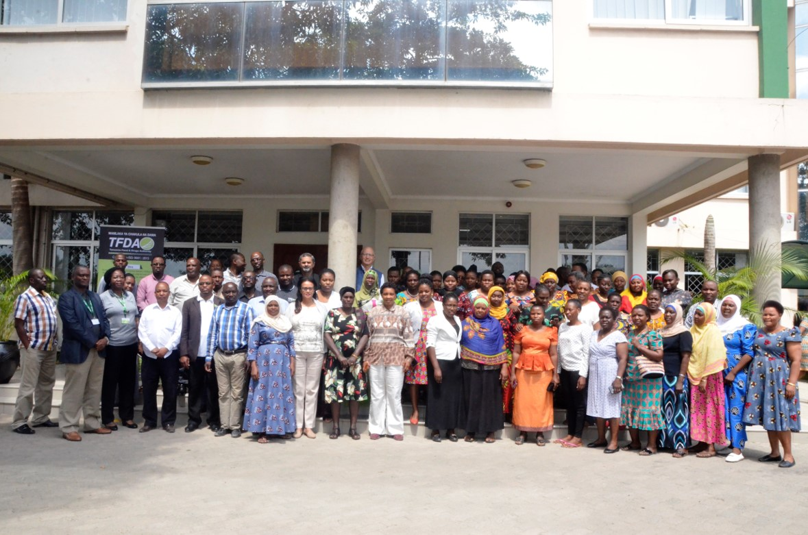 Training on vaccine safety monitoring for HPV vaccine safety surveillance, Dar Es Salaam, Tanzania. Photo: PROFORMA